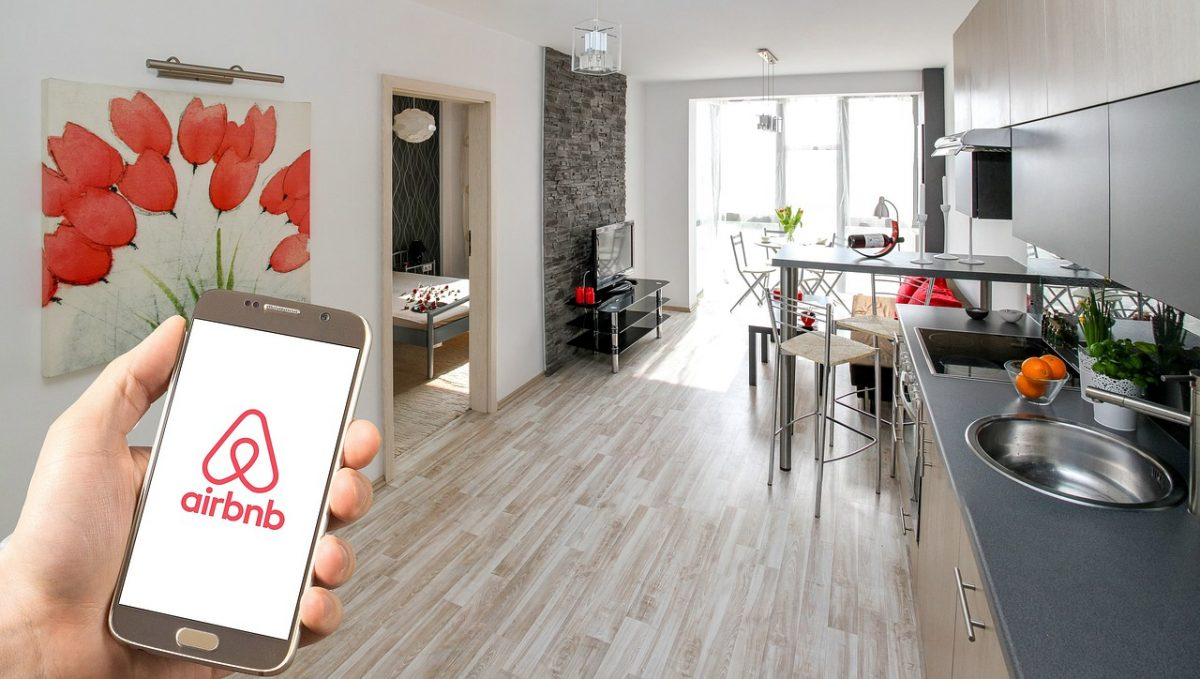 Is Airbnb Showing Hotels the Way Again; How to Bounce Back from the Pandemic?